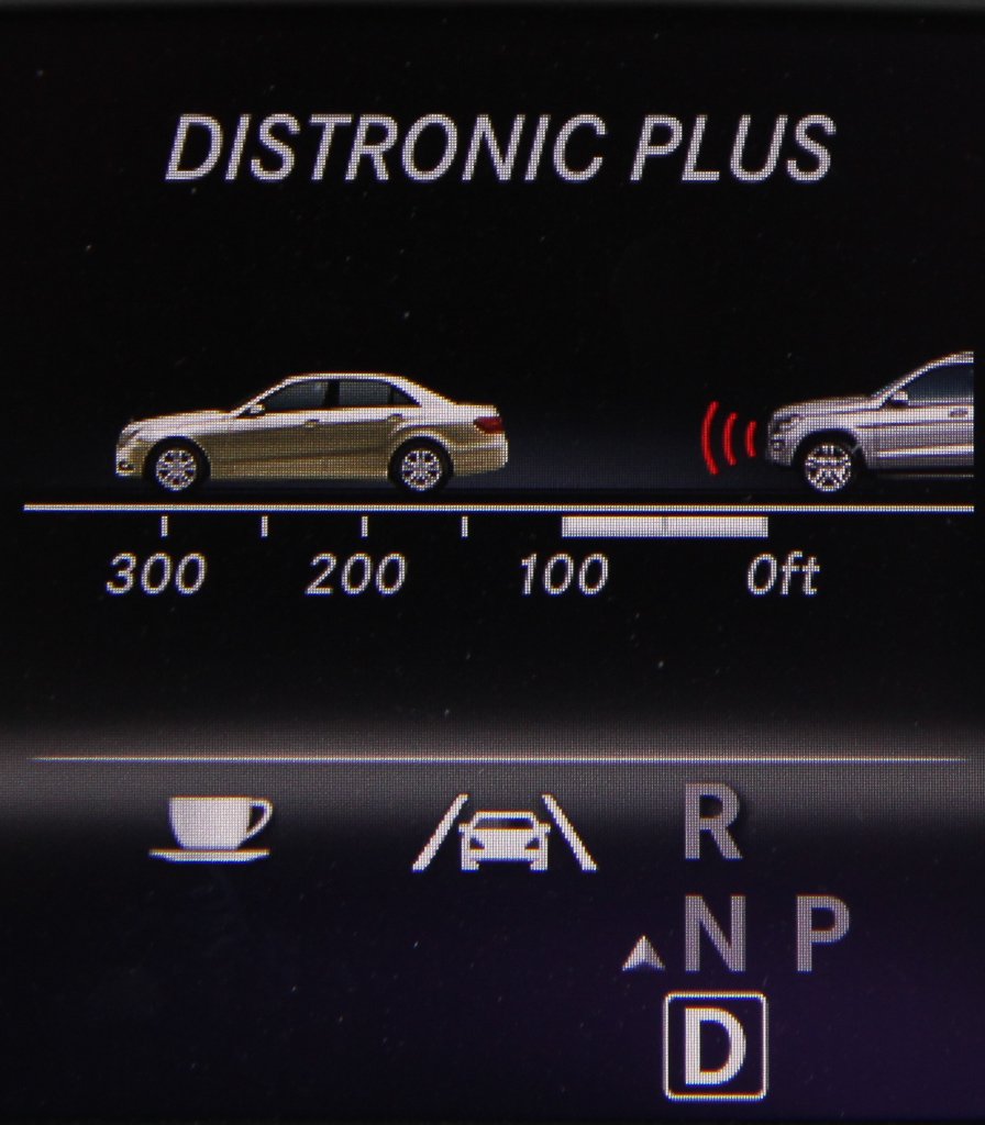 Mercedes-Benz Distronic Plus
